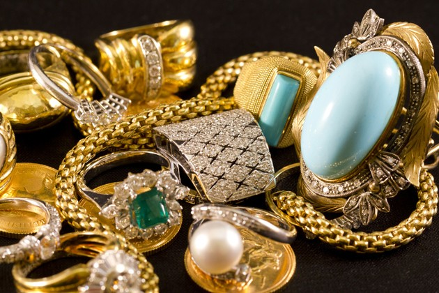 Jewelry, gold, necklaces, rings, bracelets, watch, wealth